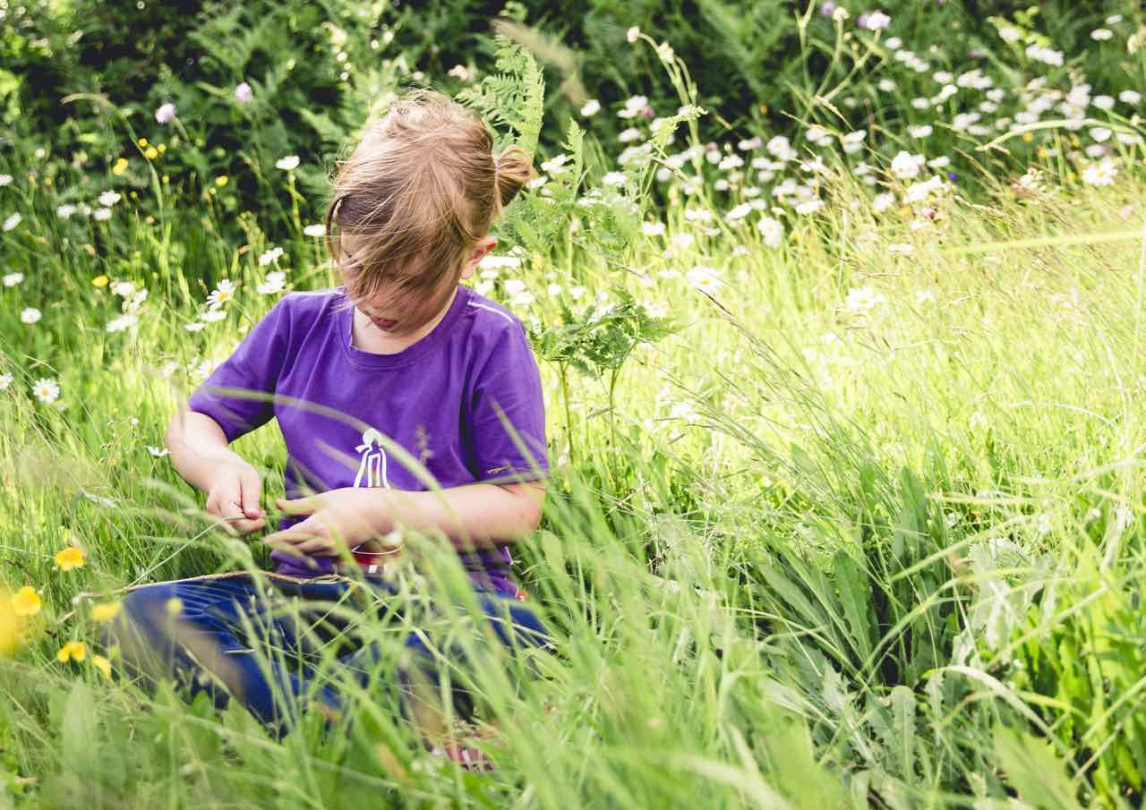 Kind in Feld in Lienz